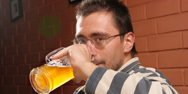 man-in-pub-628x314