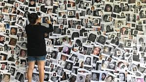 mosaique de photos de femmes